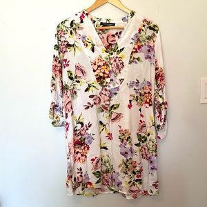 🌸 2/$20 White Floral Long Sleeve Tunic Dress